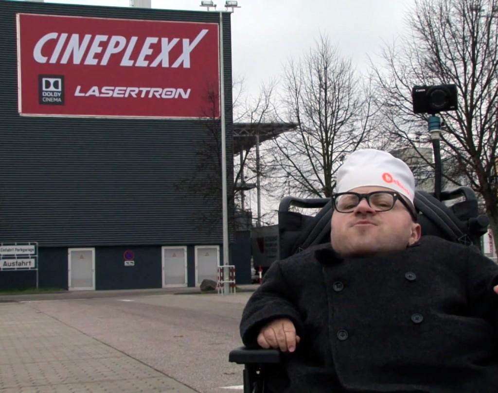 Martin Habacher vorm Cineplexx Kino Linz