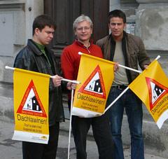 Kowald, Schanza, Hohensinner mit Dachlawinen-Warnfahnen