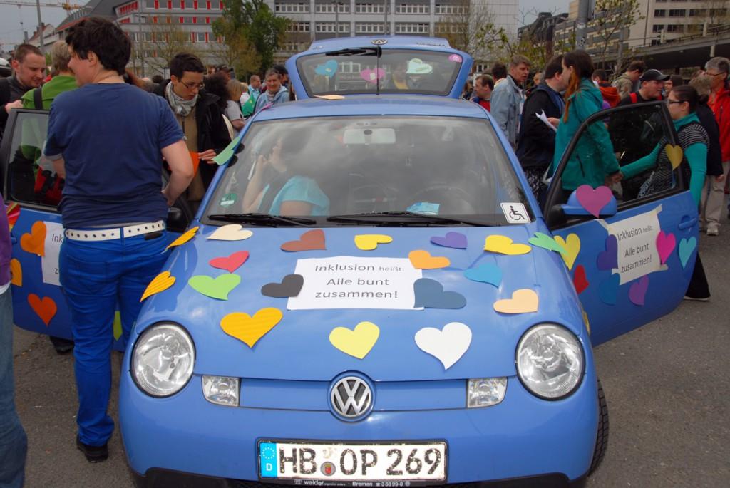 Bremer Demo: Inklusion heißt alle bunt zusammen 130507