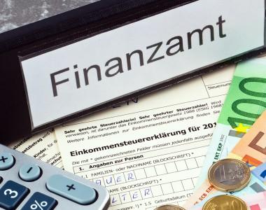 Schild Finanzamt