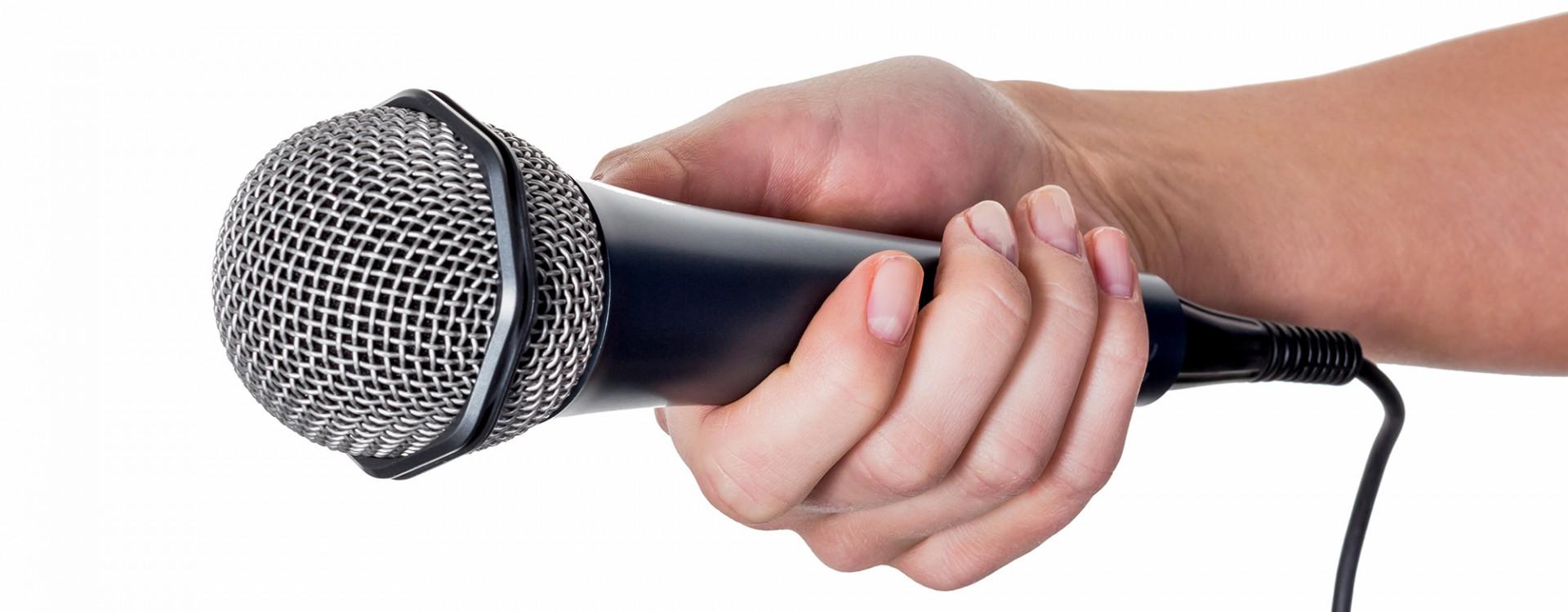 Interview mit Mikrofon