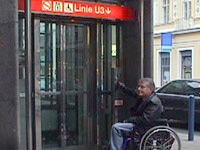 Lift bei der Wiener U-Bahn