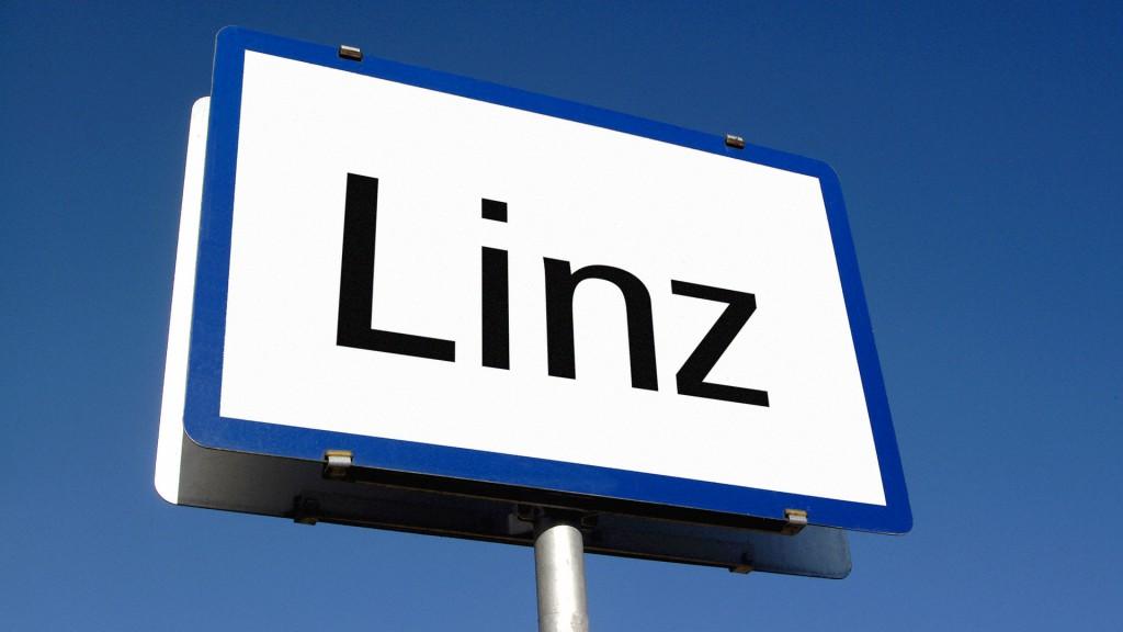 Tafel mit dem Aufdruck Linz