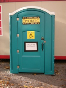 rollstuhlgerechtes WC am Markt