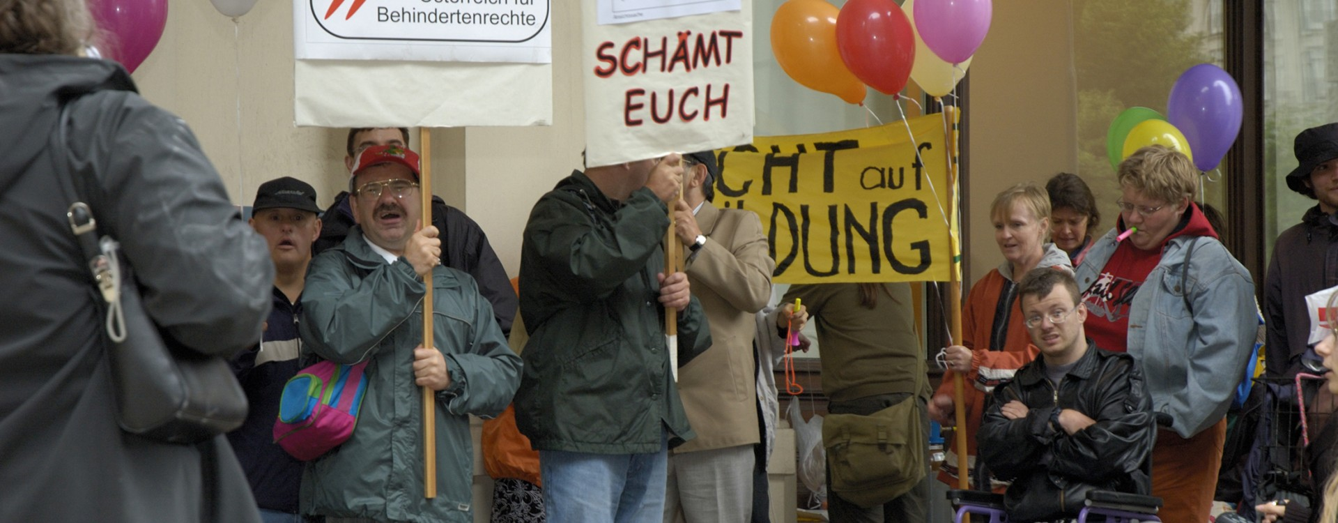 Mahnwache vor der ÖVP-Zentrale 050705