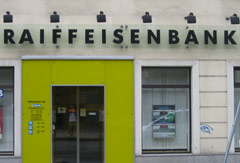 Eingang einer Raiffeisenbank