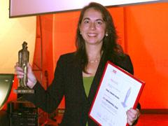 Isabella Straub erhält ÖZIV-Medienpreis Schuasch