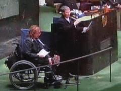 UN-Generalversammlung Rollstuhlfahrerin berichtet 061213