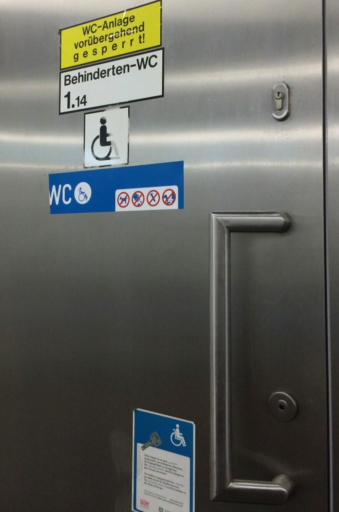 Versperrtes barrierefreies WC der Wiener LInien