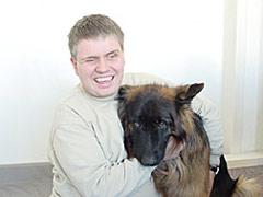Marco Zehe mit seinem Hund