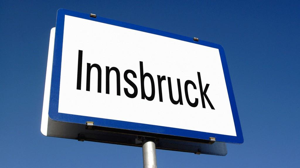 Tafel mit der Aufschrift Innsbruck