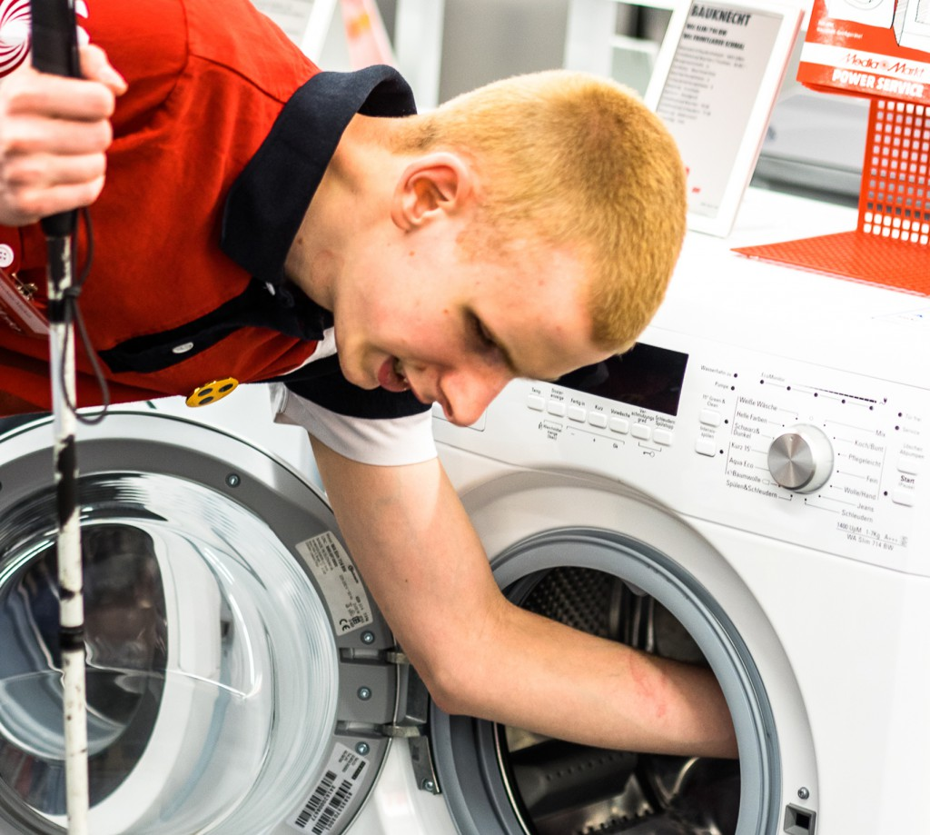 Markus Kirschner beim Waschmaschinenkauf