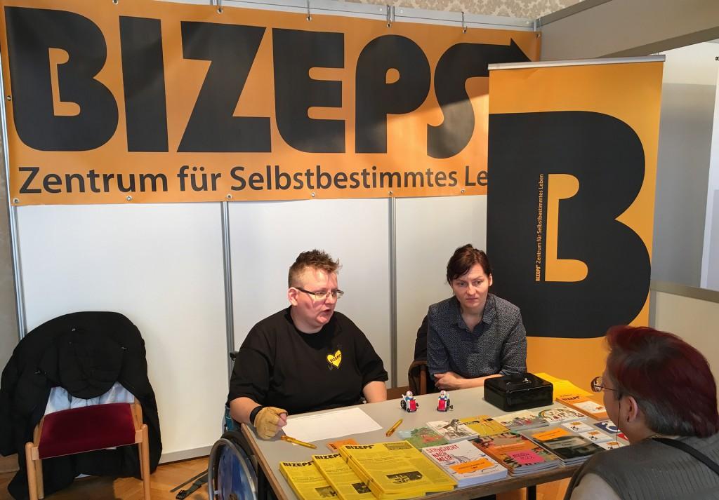 BIZEPS-Stand bei Messe JedeR für JedeN 2016