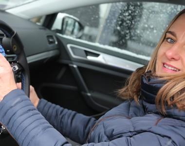 Sabine Jammernegg testet Elektroauto