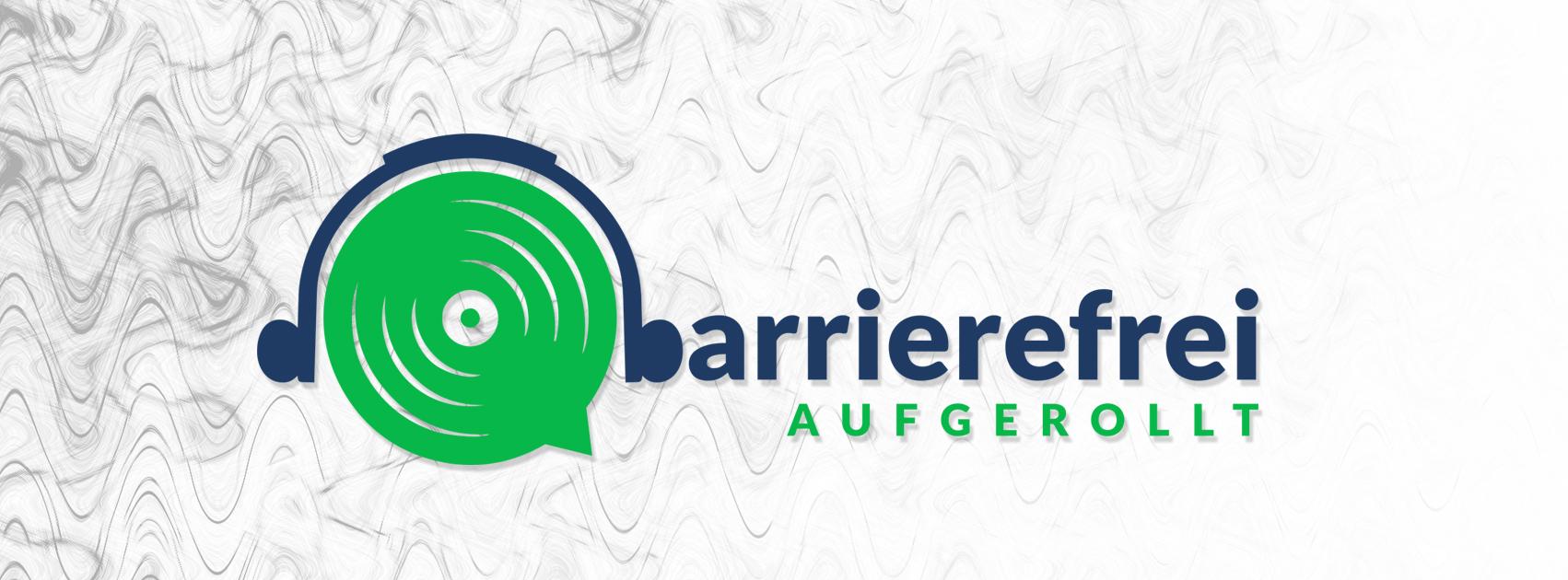 Logo barrierefrei aufgerollt. Ein blauer Kopfhörer der auf einer grünen Lautsprechermembran sitz. Daneben steht barrierefrei aufgerollt