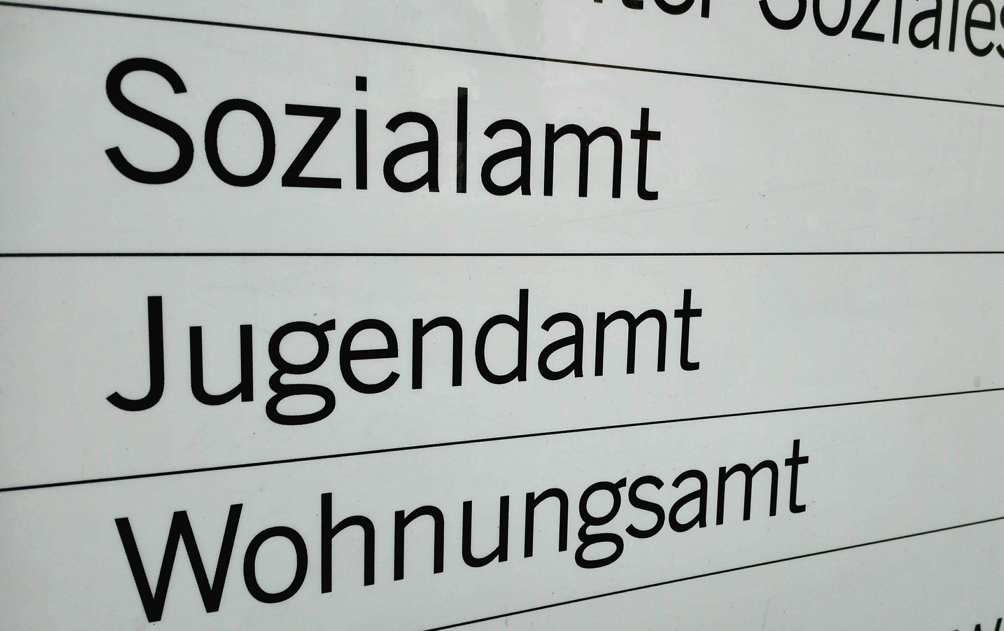 Salzburg Sozialamt Kürzt Die Mindestsicherung Wegen