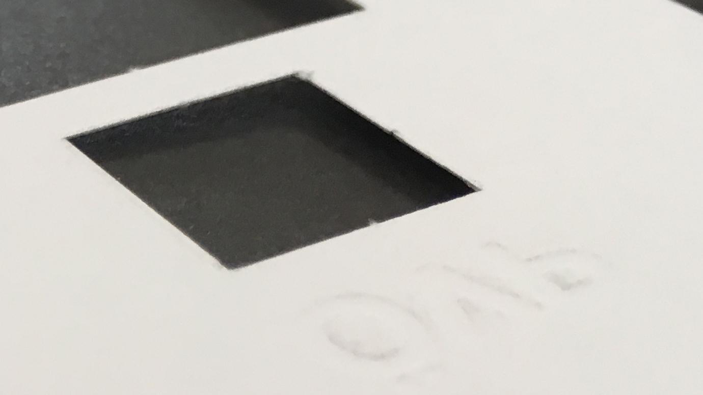 Stimmzettelschablone - erhabener Aufdruck (Durchdruck von der Rückseite)