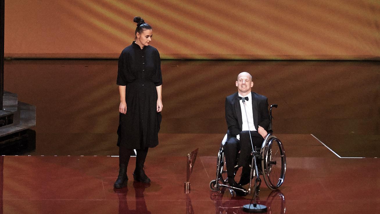 Doris Uhlrich und Michael Turinsky beim NESTROY 2017 ausgezeichnet