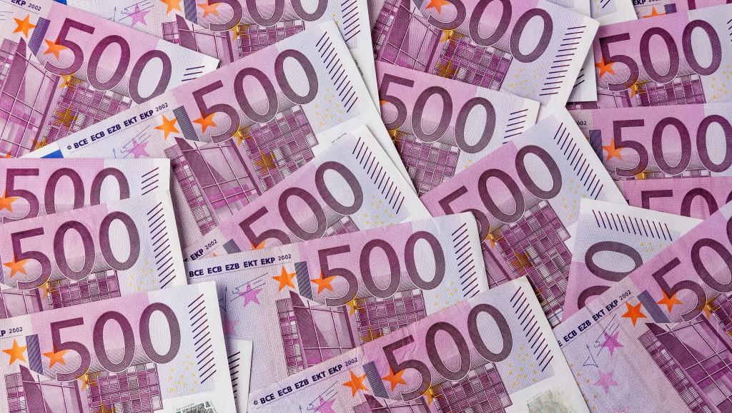 Viele 500 Euro Banknoten