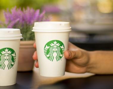 2 Kaffeebecher von Starbucks