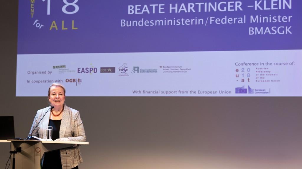 Beate Hartinger-Klein bei Konferenz Arbeit für Alle - Employment for All