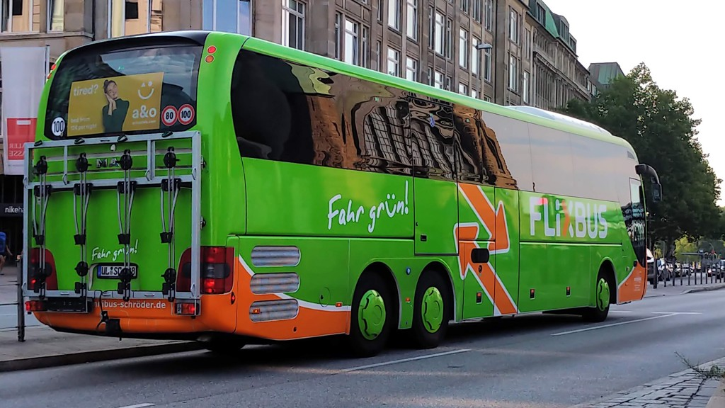 Flixbus mit Hebelift