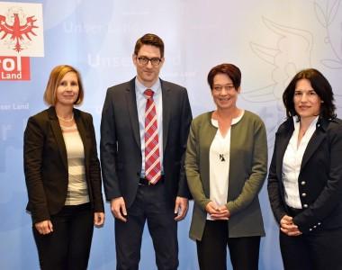 LRin Gabriele Fischer, Behindertenanwalt Christof Widhalm, LTPin Sonja Ledl-Rossmann und Landesvolksanwältin Maria Luise Berger