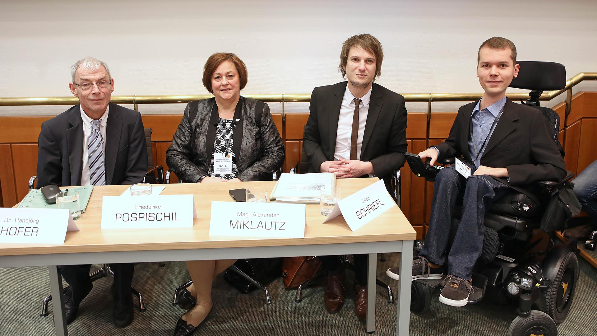 Behindertenanwalt Hansjörg Hofer, Friederike Pospischil (Präsidentin der niederösterreichischen Lebenshilfe), Alexander Miklautz (Sozialministerium) sowie Jakob Schriefl (ÖZIV)
