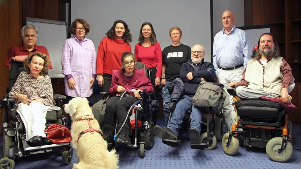 LHStvin Ingrid Felipe diskutierte im Monitoringausschuss unter der Leitung von Isolde Kafka (vierte von links) über die Mobilitätsanliegen von Menschen mit Behinderung