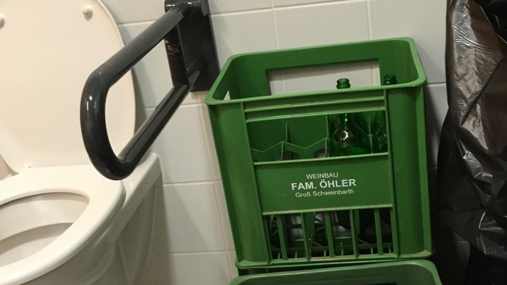 Barrierefreies WC mit Weindepot