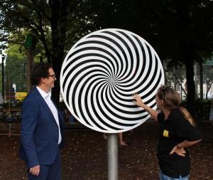 optisches Kreisel am Inklusions-Spielplatz im Weghuberpark