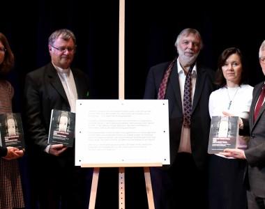 Angela Wegscheider, Bischof Manfred Scheuer, Michael John, Marion Wisinger und Caritas OÖ-Direktor Franz Kehrer