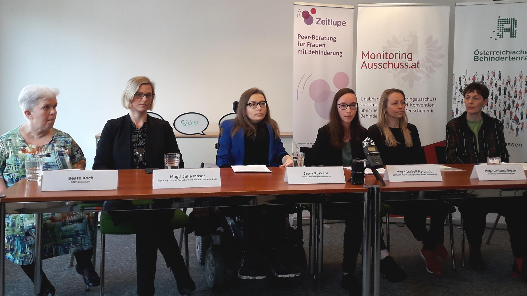 Beate Koch, Julia Moser, Jasna Puskaric, Isabell Naronnig, Christine Steger und Gabriele Sprengseis