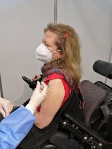 Karin Ofenbeck bei der Corona-Schutzimpfung am 17.2.2021 in Wien